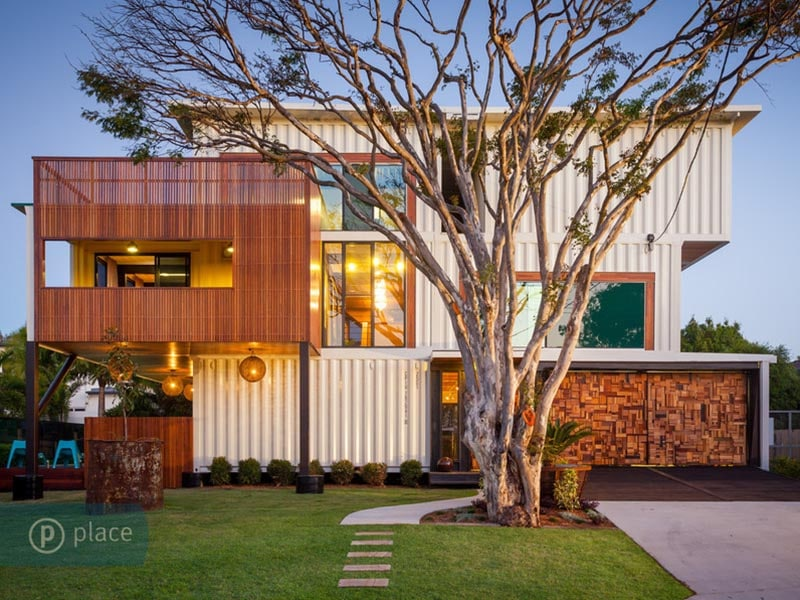 Shipping-container-luxury-home-in-Brisbane