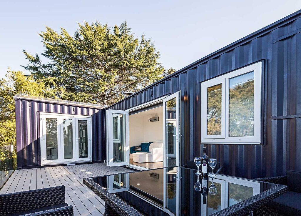 Shipping-container-home-patio